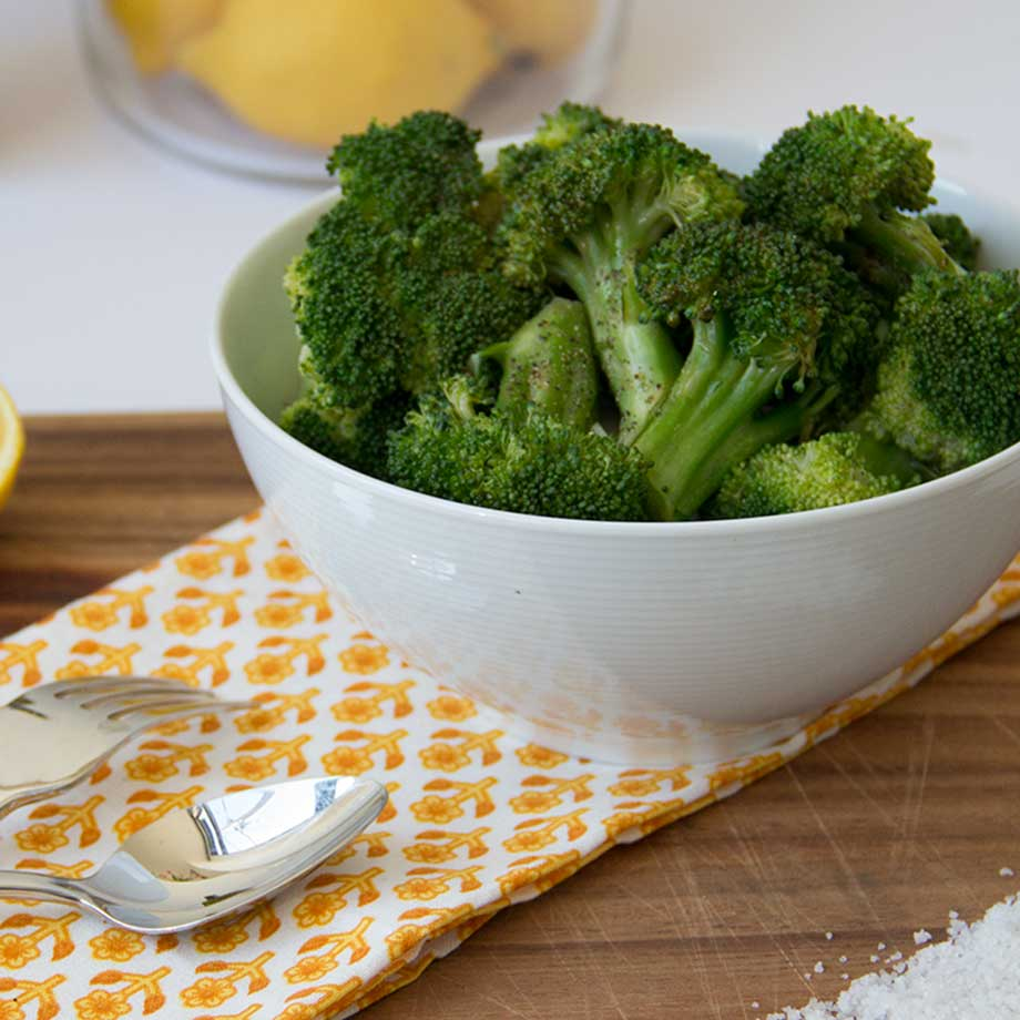 Steamed Broccoli for Broccoli Haters by KiwiandBean.com