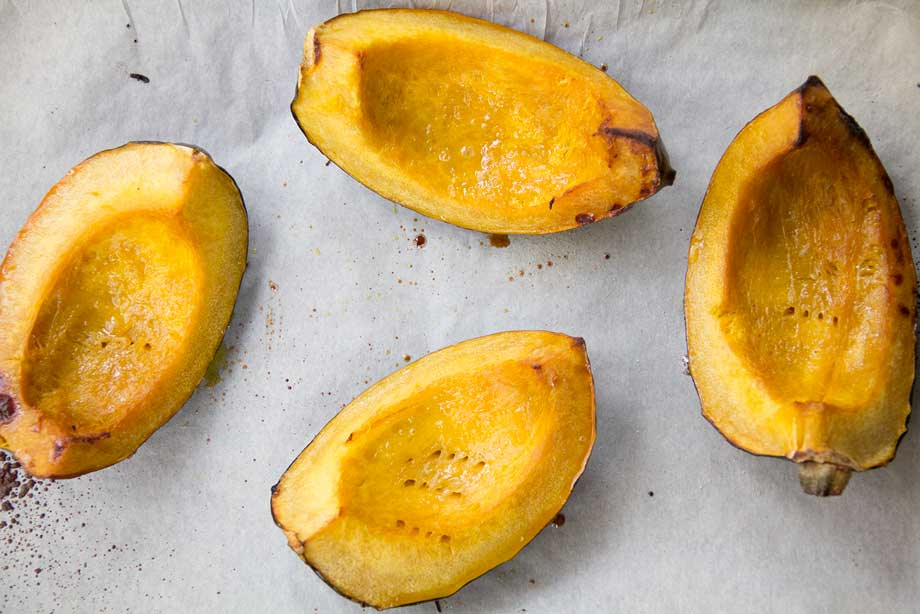 Roasted Acorn Squash by KiwiandBean.com
