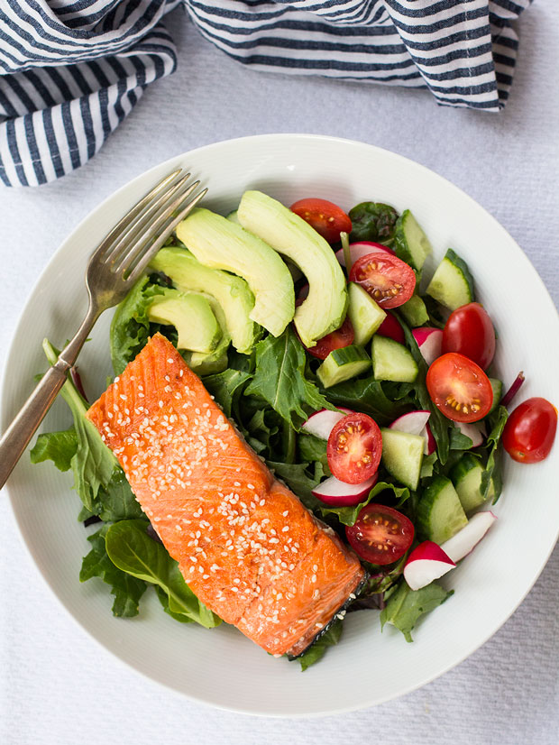 15 Minute Sesame Seared Salmon | www.kiwiandbean.com