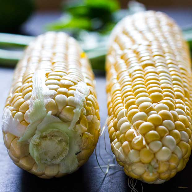 End-of-Summer Raw Corn Salad | www.kiwiandbean.com