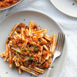 Three-Ingredient Italian Sausage and Mushroom Bolognese | www.kiwiandbean.com